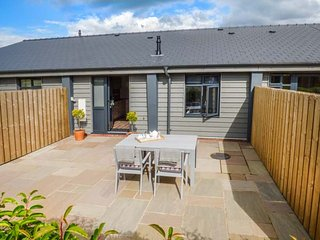 POPPY, lovely views, front and rear lawned garden, pet-friendly, Ross-on-Wye, Ref 940019