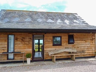SPITFIRE BARN, mostly ground floor, WiFi, pet-friendly, countryside views, in