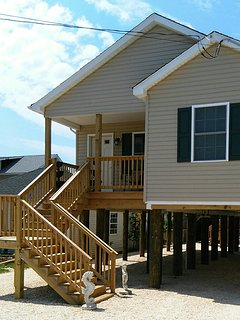 Brand new house built 2016 on 10 ft filings lighted staircase