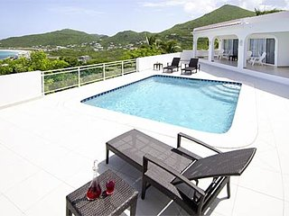 Rising Star - Ideal for Couples and Families, Beautiful Pool and Beach