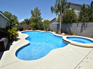 NV5438 Cozy home, pool, spa and pool table, North Las Vegas