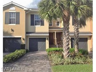 Luxury Coach Home with Garage. Unlimited Golf!, Fort Myers