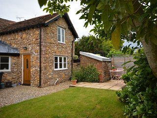 43753 Cottage in Trull, Buckland St Mary