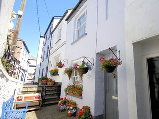 DOLPH Cottage in Appledore, Saunton
