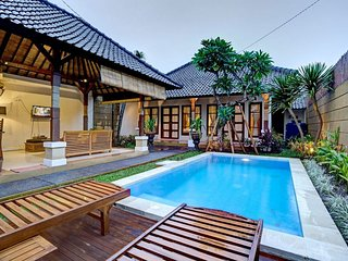 6 Bedroom Comfy Villa Top Location of Seminyak