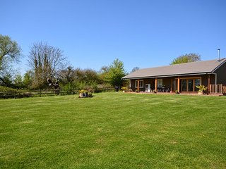 PADLO Barn in Moorlinch, Bridgwater
