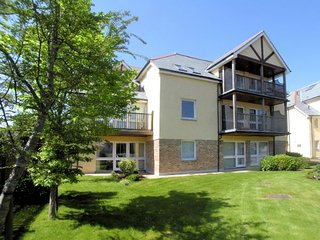 CARLY Apartment in Carlyon Bay, St Austell