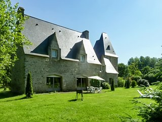Classic mansion 10km from the zoo, Combourg