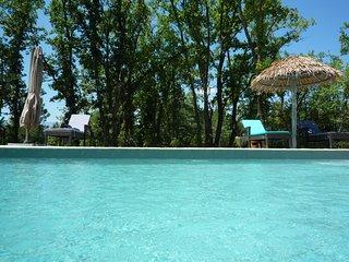 Maison avec piscine pour 4 pers , les Photinias