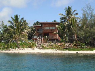 Exceptional and Awarded Eco-Property at the beach - Live Like a Local