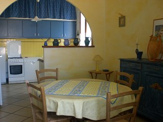 A WINE MAKER APARTMENT IN SABLET, Sablet