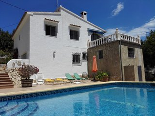 Villa Elvira - Villa with pool close to the beach, Calpe