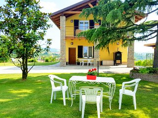 """BELLAVISTA LANGHE""  Villa nelle Langhe, Alba"