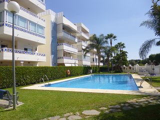 Beachside Apartment spacious garden ground floor, Elviria