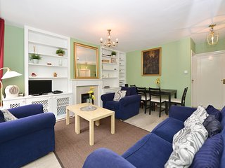 2 bedroom apartment Queen Holland in Kensington