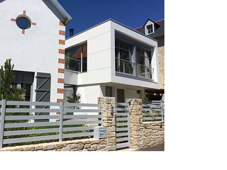 Beautiful new luxury villa 400m from the Beach
