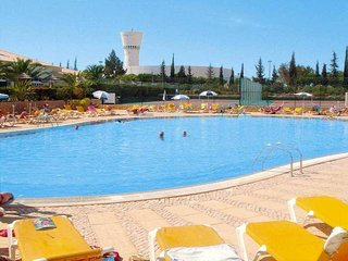 2 bedroom Oasis Parque, calm, relax,wifi, Portimao