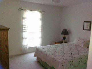 Close to Beaches, NAS, 20 minutes from Tanger