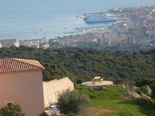 Gite a 10 mn des plages d'Ajaccio et vue mer