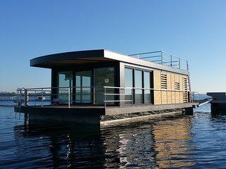 Hausboot Seeblick1, Bitterfeld