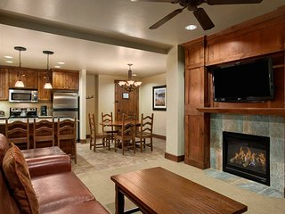 5-Star Resort, Large Condo, Breckenridge, CO