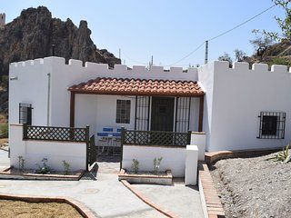 Casita Rincon - 2 bed cottage on 2 acre finca and a  5 minute walk  to village, Lubrín