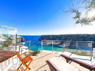 Beach Villa Bellavista with private swimming pool, Alaior