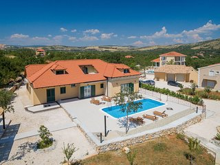 Villa Mia heated pool Split - Dugopolje,Croatia