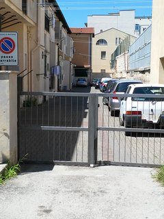 Posto auto in cortile privato.