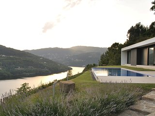 Stunning Views Luxury Riverside Villa, Baiao