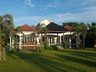 Beach House, Tha Yang