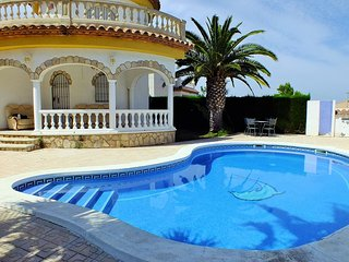 Villa with private garden and private pool