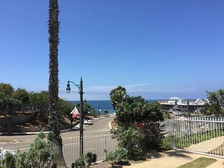 1 bed Furnished Ocean View Condo – 580ft2, Redondo Beach
