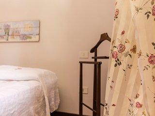 Trilocale 2 camere 2 bagni, cucina, patio giardino, San Miniato