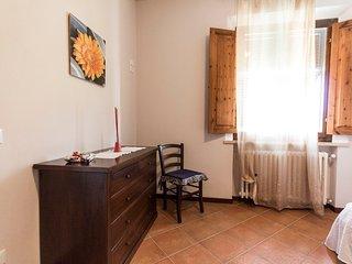 Bilocale 2 posti, camera doppia, bagno, cucina, San Miniato