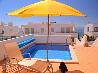 Villa With Private Pool And Panoramic seaview., Luz