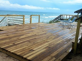 Relax on your own private ocean deck with your own private steps to the ocean. Directly on ocean.