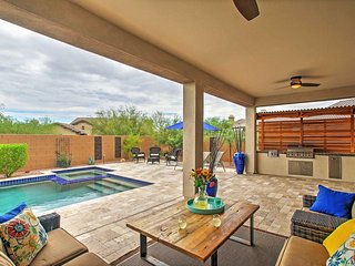 3BR Cave Creek House w/Private Pool & Patio!