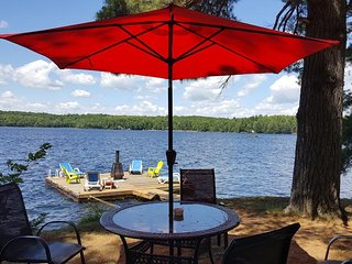 Romantic Cottage for 2 - The Sugar Shack, Haliburton