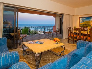 Coastal Luxury in Our Cabo San Lucas Suite