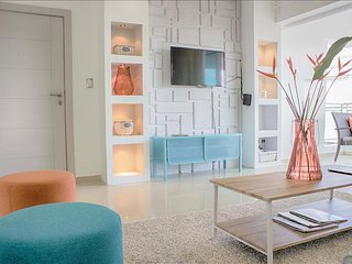Chic 3 bedroom Designer Apartment
