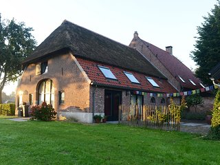 Farmhouse in city. Retreat close to nature reserve