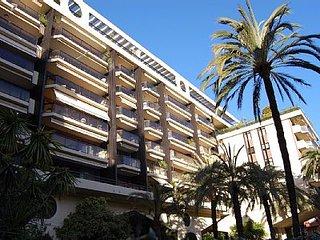 Studio 50metres plage terrasse et parking couvert
