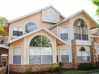 3 Miles from Disney, Newly Refurbished Condo, Kissimmee