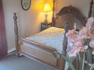 Quiet Private Bedroom in Shared  House, Port Saint Lucie