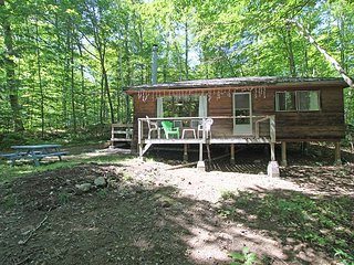 Oastler Lake cottage (#1004), Parry Sound