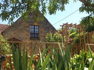 La Maison des Roses - Domme, near Sarlat