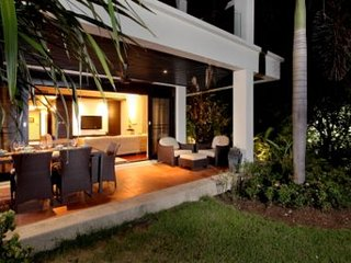 ROMANTICS or FAMILIES: 2 x Andaman Sea CondoVillas, Bang Tao Beach