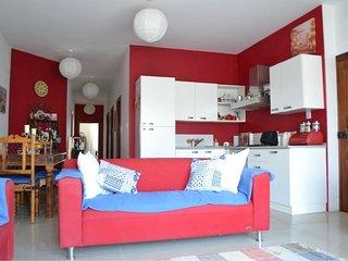 New, Bright, Sea Views Apartment, very Central, San Pawl il-Baħar (St. Paul's Bay)