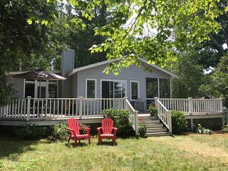 Nice, Crooked Lake Cottage in Petoskey, MI